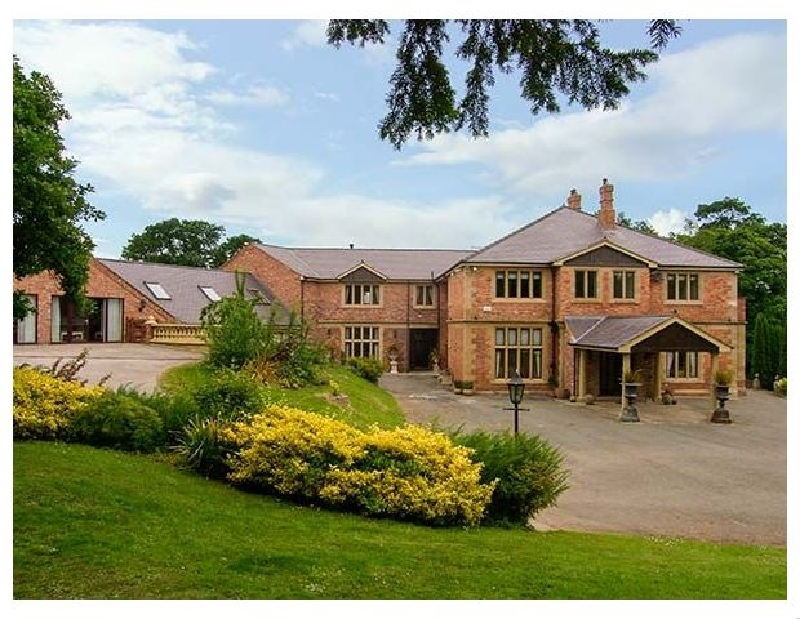 Richmond Hall a british holiday cottage for 20 in ,