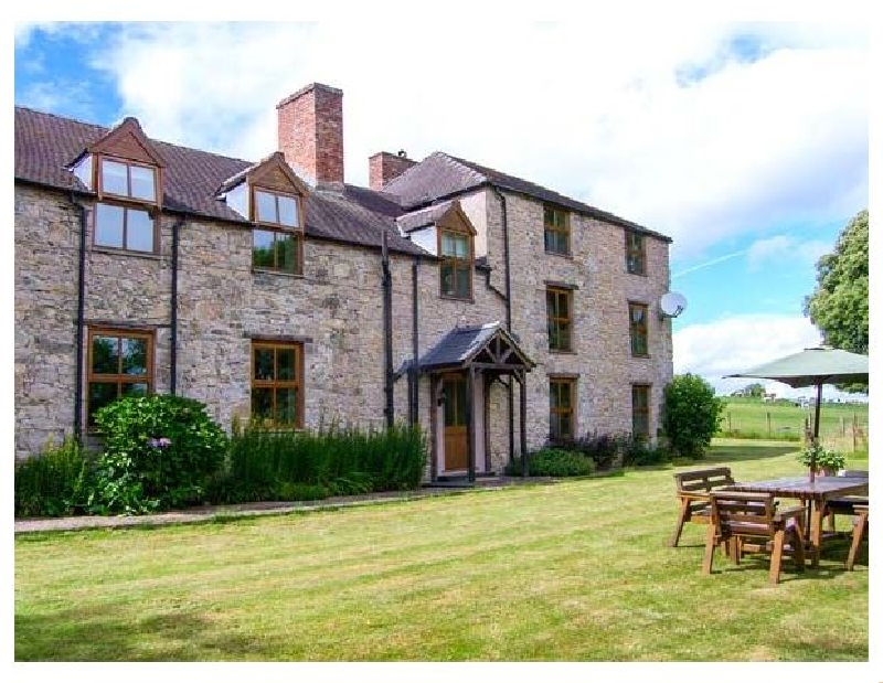 Tywysog a british holiday cottage for 10 in ,