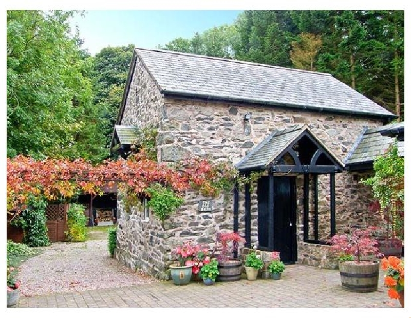 The Old Barn a british holiday cottage for 2 in ,