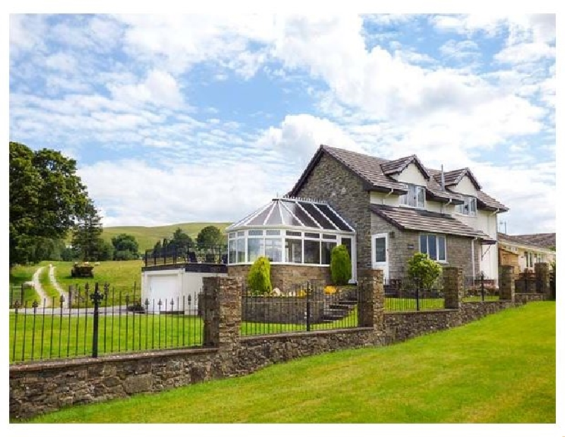 Tre Garreg a british holiday cottage for 7 in ,