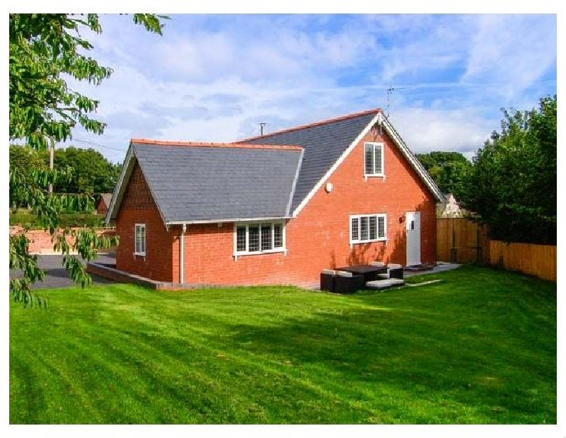 Douglas Cottage a british holiday cottage for 7 in ,