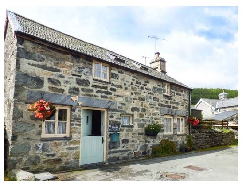 Treflys Bach a british holiday cottage for 4 in ,