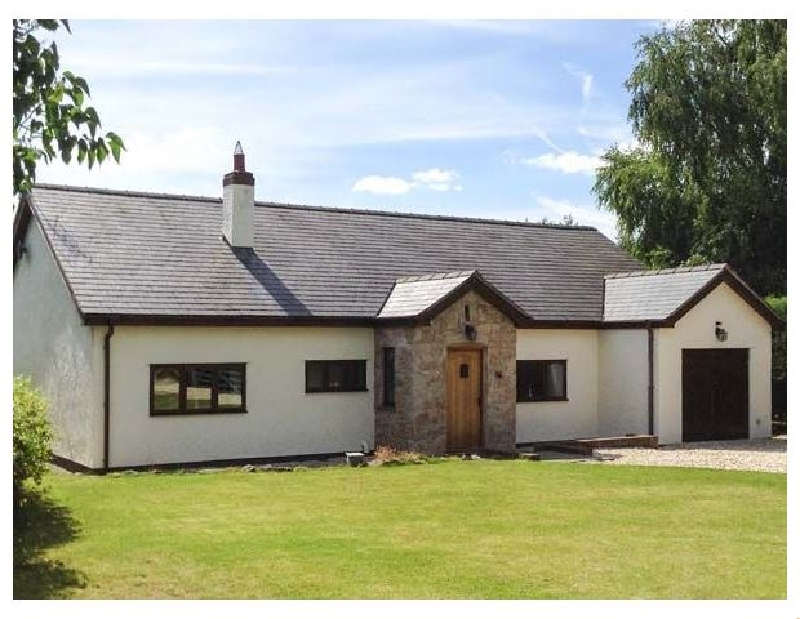 Rose Cottage a british holiday cottage for 8 in ,