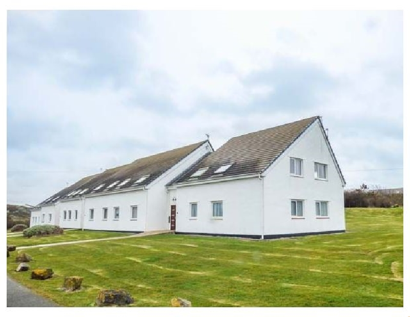 Isallt Lodge a british holiday cottage for 7 in ,