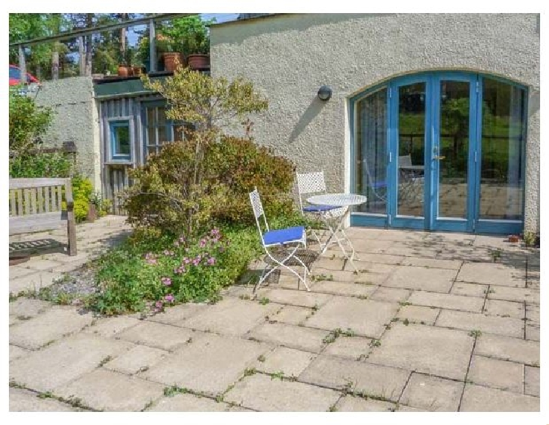 The Garden Flat a british holiday cottage for 2 in ,