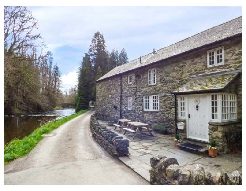 Beater's Cottage a british holiday cottage for 8 in ,