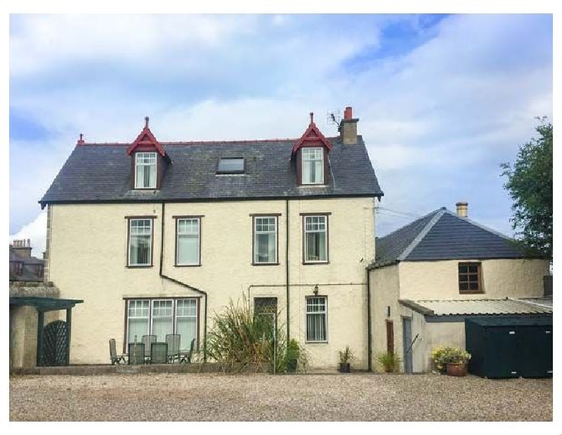 1 Seafield Street a british holiday cottage for 12 in ,