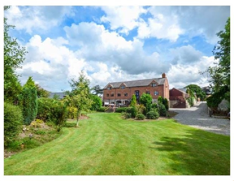 Home Farm a british holiday cottage for 14 in ,