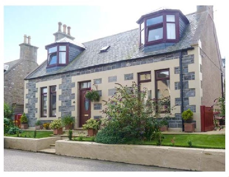 Moray Mirth Cottage a british holiday cottage for 6 in ,