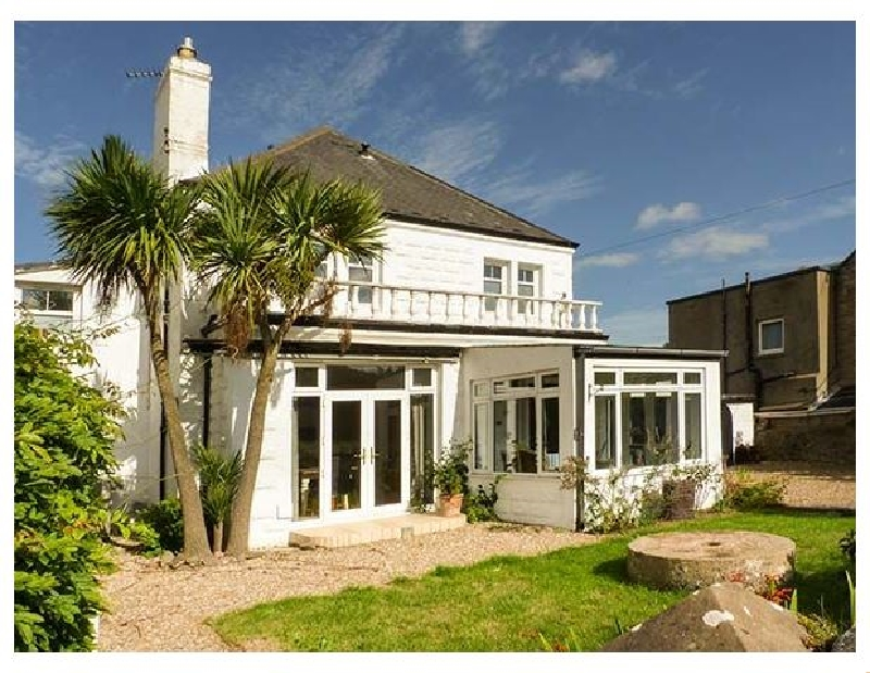 The Anchorage a british holiday cottage for 8 in ,