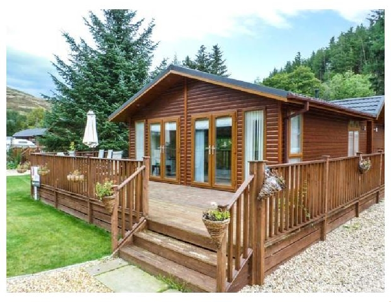 Ping Lodge a british holiday cottage for 6 in ,