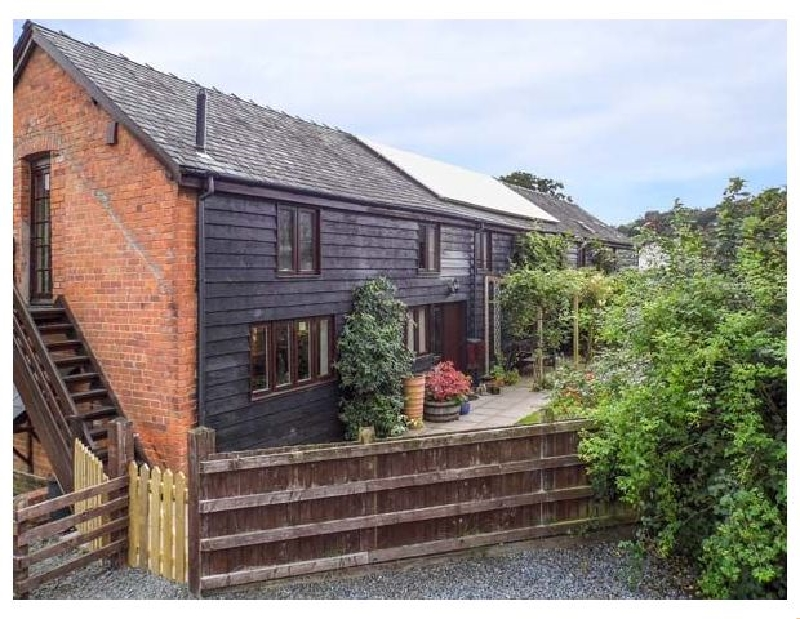 Ash Barn a british holiday cottage for 8 in ,