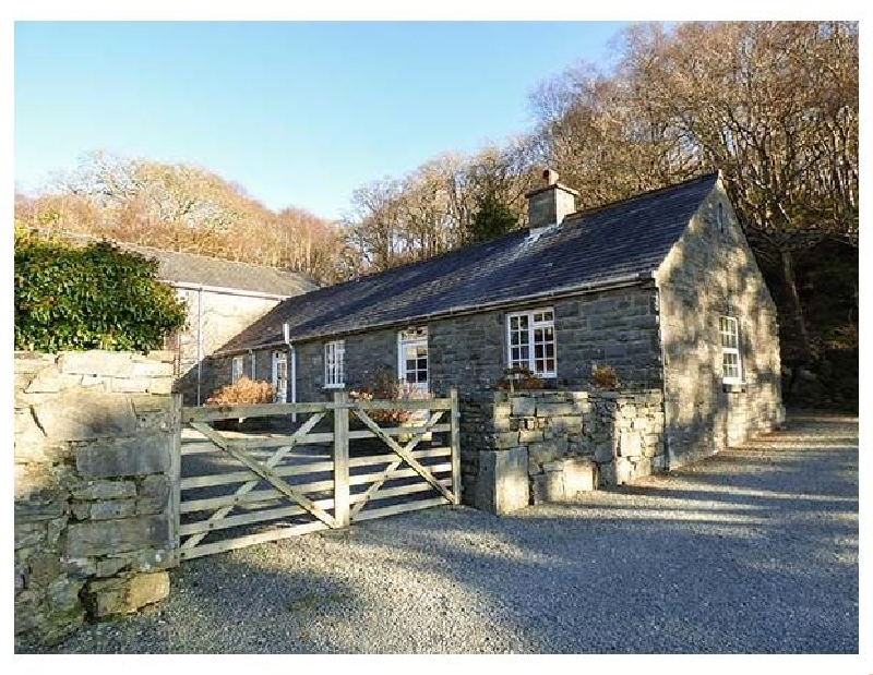 Farchynys Court Cottage a british holiday cottage for 4 in ,