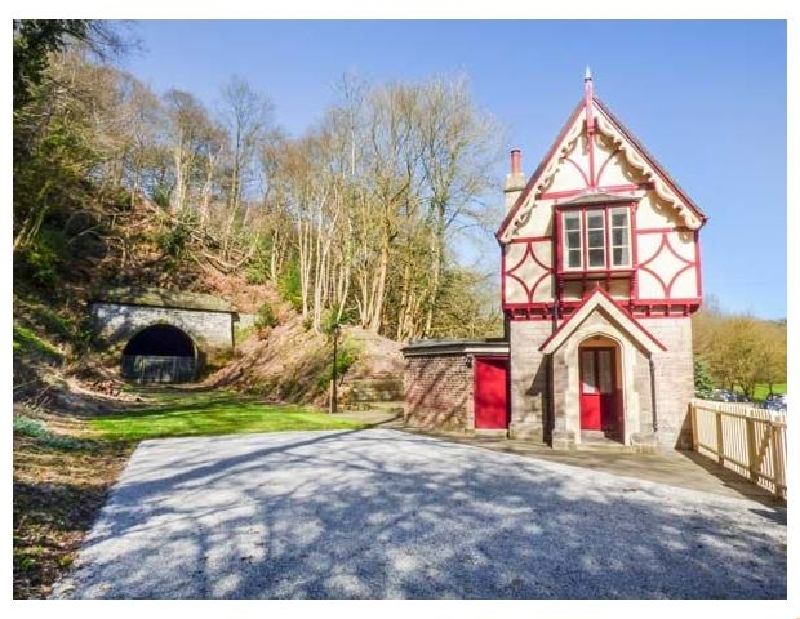 The Gate House a british holiday cottage for 4 in ,