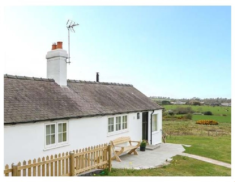Crown Cottage a british holiday cottage for 4 in ,