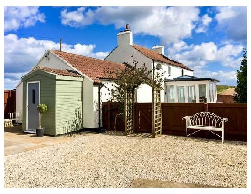Wold Cottage a british holiday cottage for 8 in ,