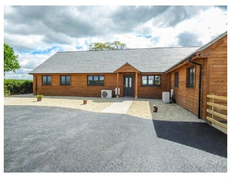 Rectory Farm Lodge a british holiday cottage for 6 in ,