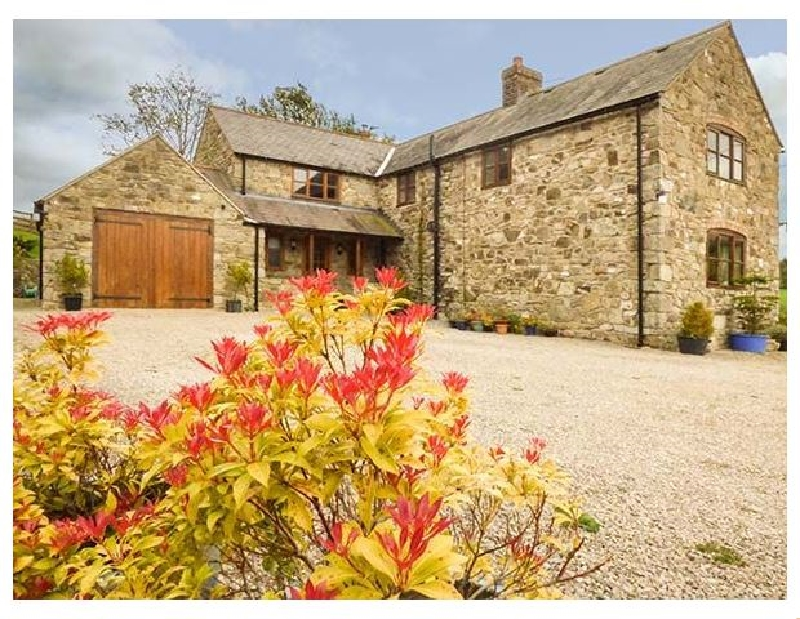 Coed Y Gaer a british holiday cottage for 7 in ,