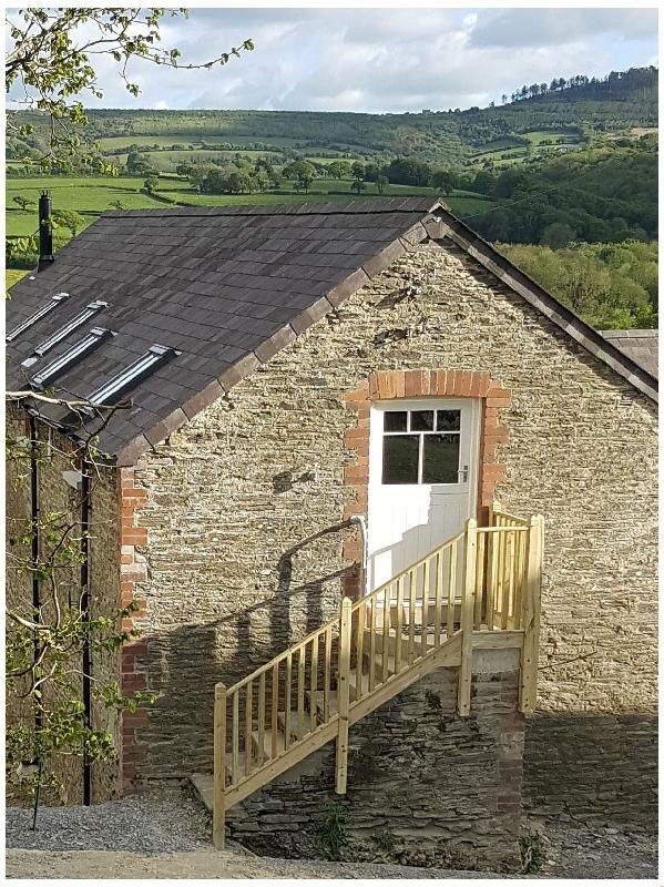 Lloft Gwair - Hayloft a british holiday cottage for 2 in ,