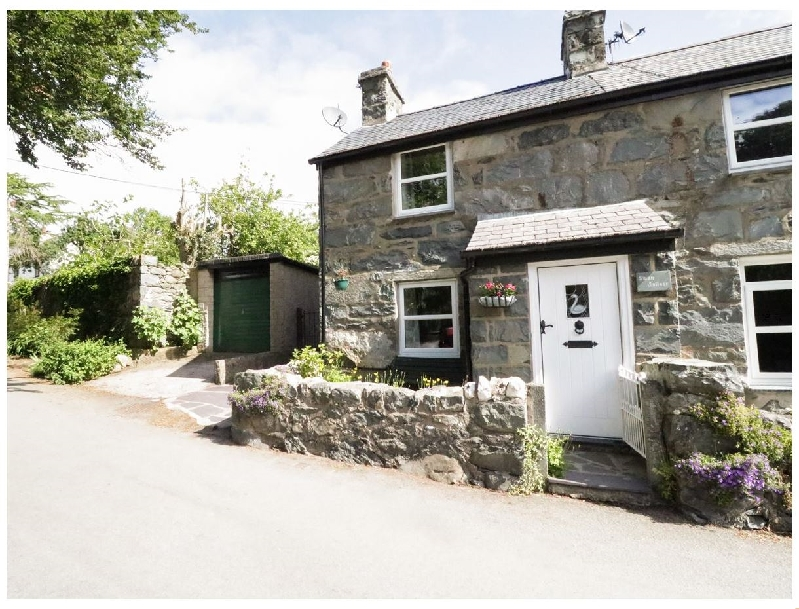 Swan Cottage a british holiday cottage for 4 in ,