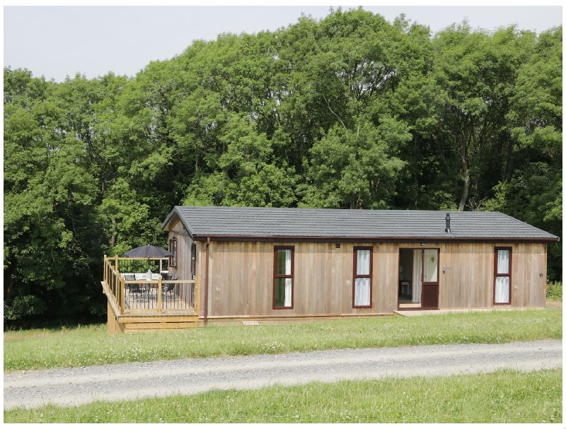 Holly Lodge a british holiday cottage for 4 in ,