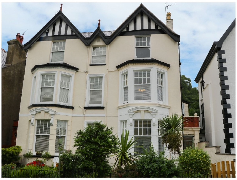 Garth House Apartment 1 a british holiday cottage for 2 in ,