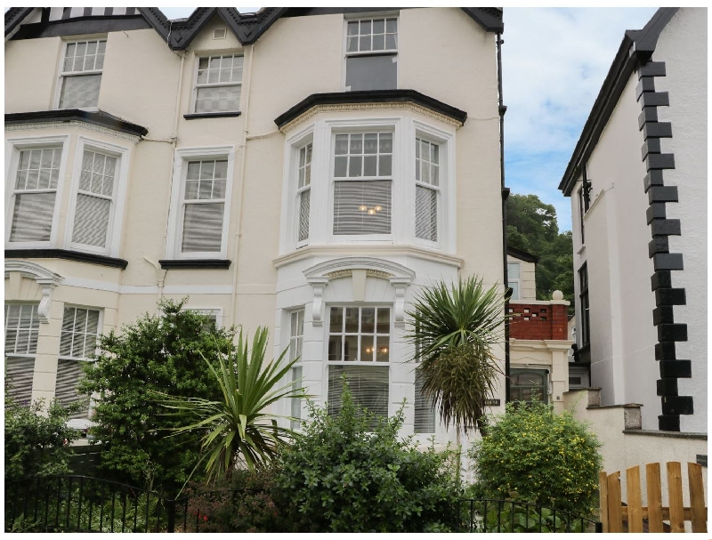 Garth House Apartment 2 a british holiday cottage for 2 in ,