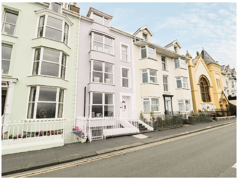 Seaview House a british holiday cottage for 10 in ,
