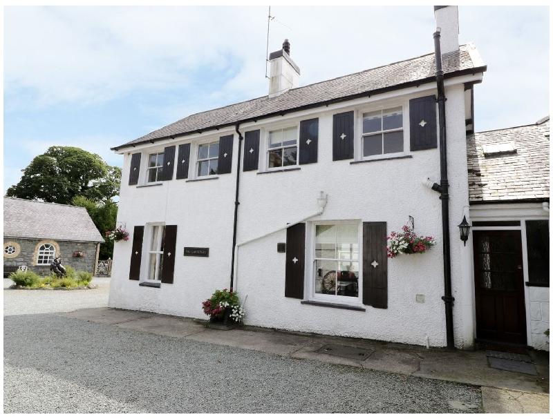 Gardeners Cottage a british holiday cottage for 6 in ,