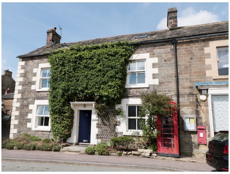Millward House a british holiday cottage for 8 in ,