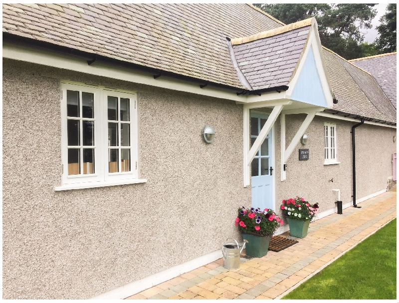 Bronwen Lodge a british holiday cottage for 2 in ,