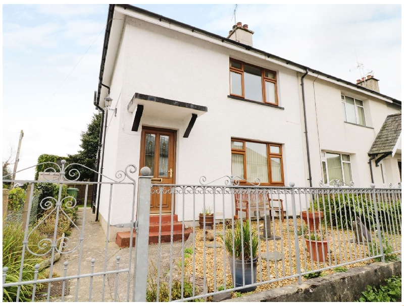 1 Hen Bont Road a british holiday cottage for 4 in ,