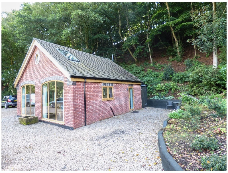 Woodland Cottage a british holiday cottage for 6 in ,