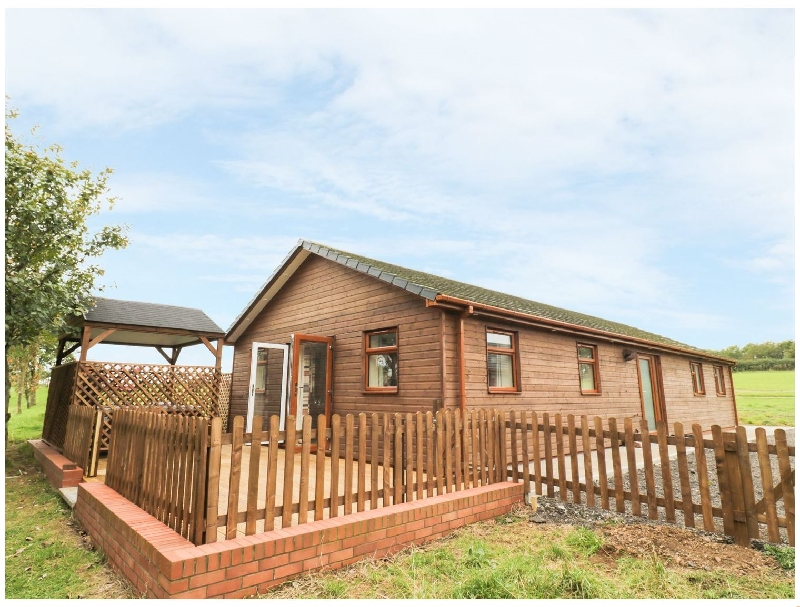 Birch Lodge a british holiday cottage for 6 in ,