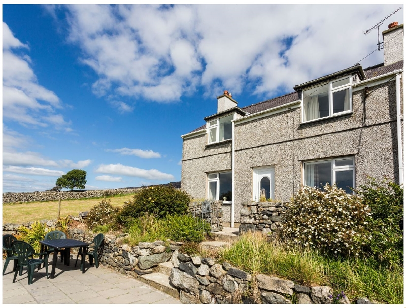 Tyn Y Gorlan a british holiday cottage for 9 in ,