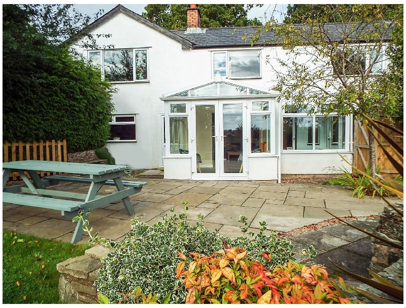 Pippins a british holiday cottage for 6 in ,