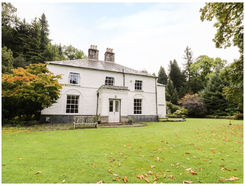 Beaver Grove House a british holiday cottage for 8 in ,