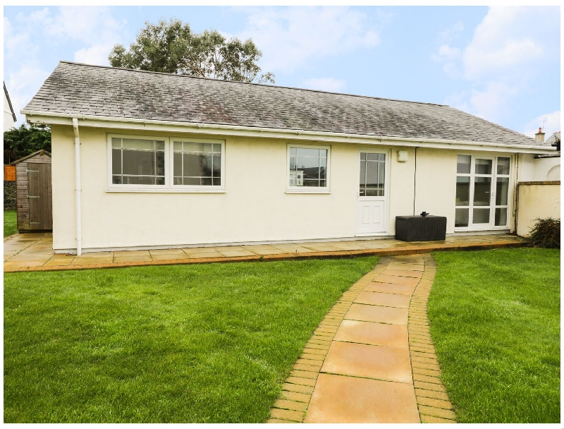 The Bungalow a british holiday cottage for 6 in ,
