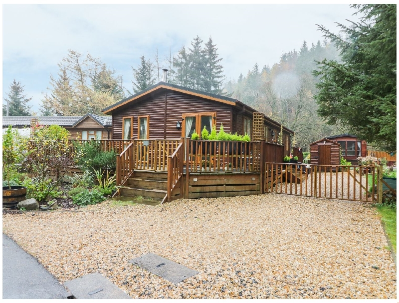 Pine Tree Lodge a british holiday cottage for 5 in ,