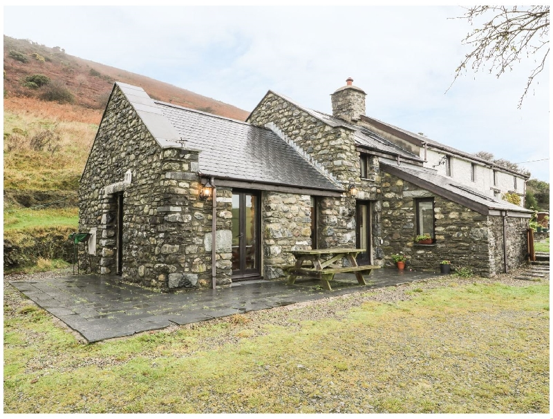 Nant-y-Pwl Cottage a british holiday cottage for 4 in ,