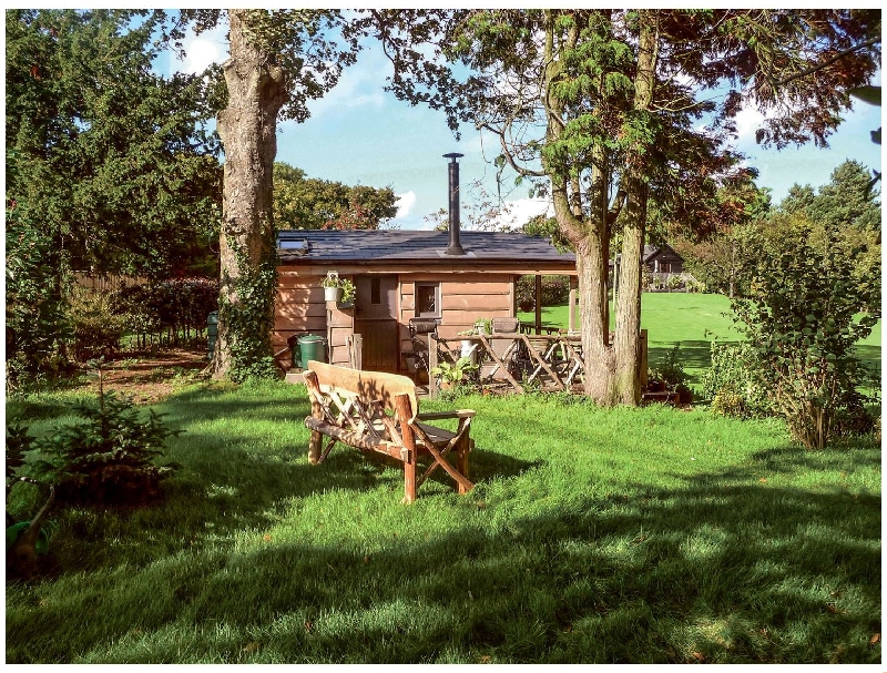 Cedarwood a british holiday cottage for 2 in ,