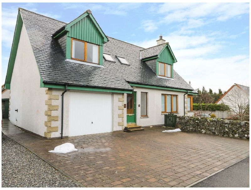 12 Loch Na Leoba Road a british holiday cottage for 8 in ,