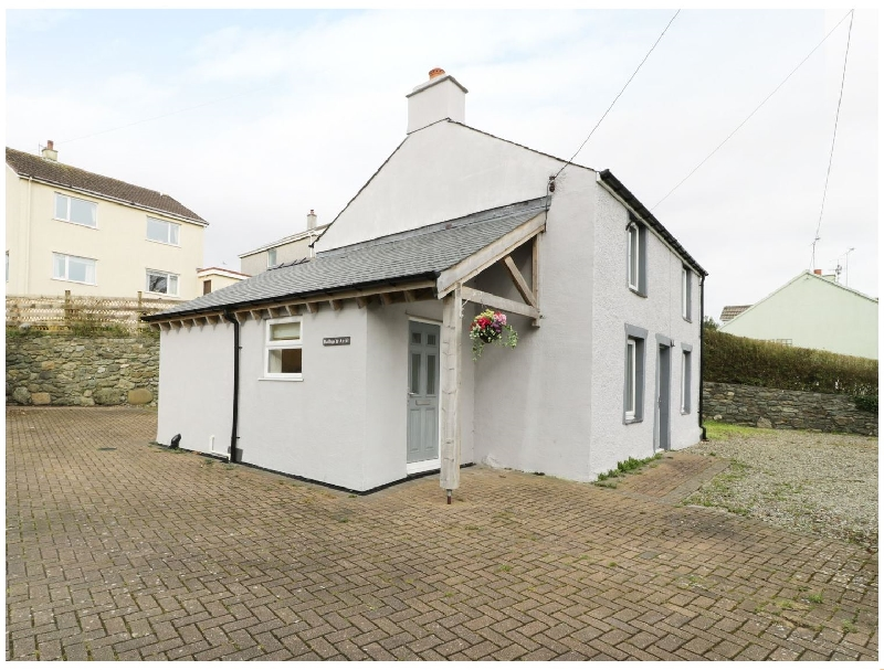 Bwthyn yr Ardd a british holiday cottage for 4 in ,