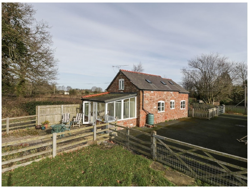 The Laurels Barn a british holiday cottage for 2 in ,