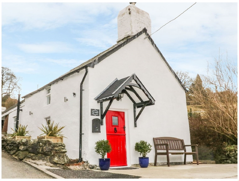 Tyn Y Berth a british holiday cottage for 2 in ,