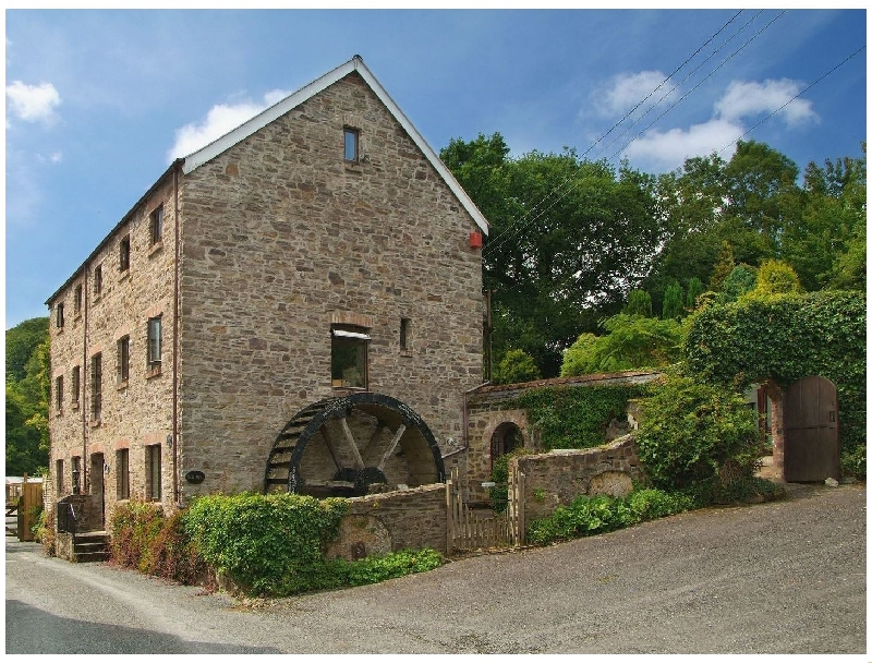 The Old Mill a british holiday cottage for 11 in ,
