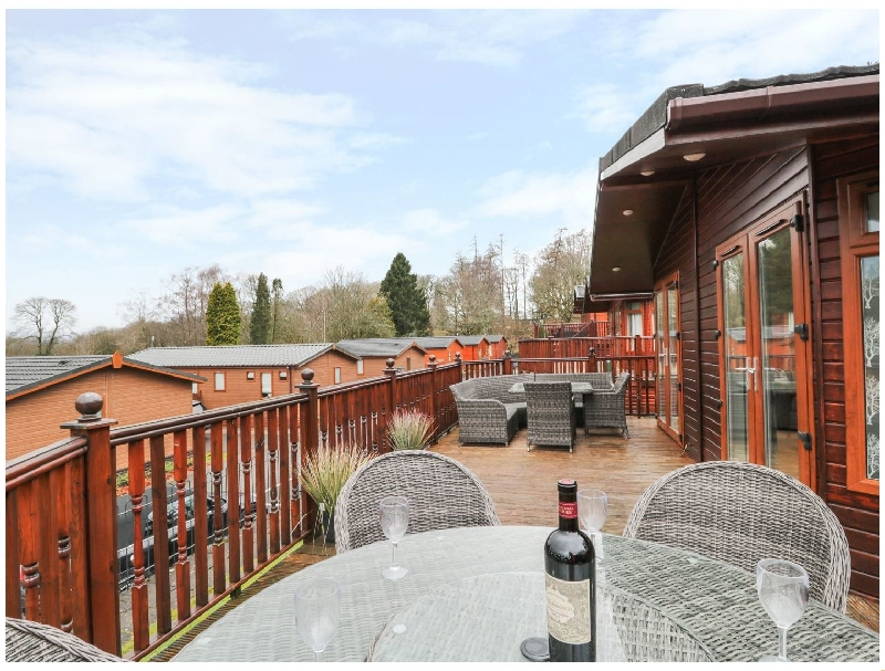 Click here for more about Lakeland View Lodge