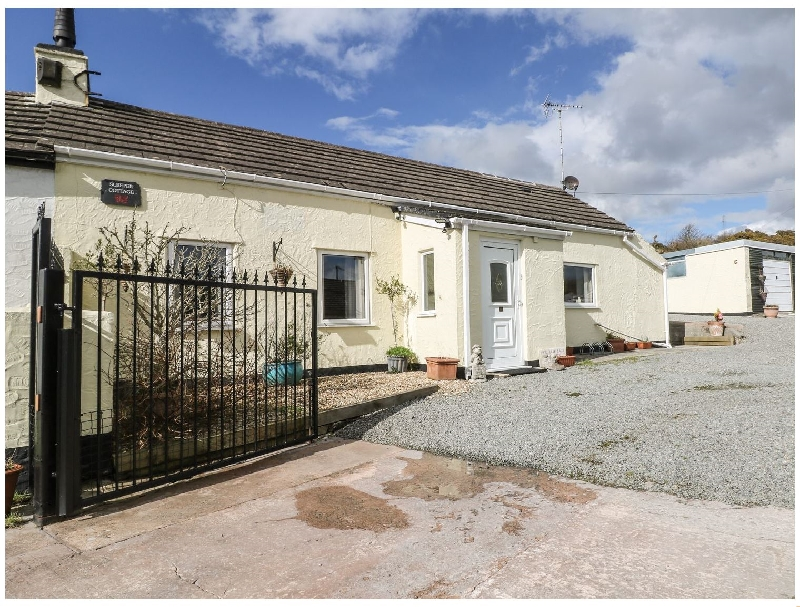 Sleeper Cottage a british holiday cottage for 5 in ,