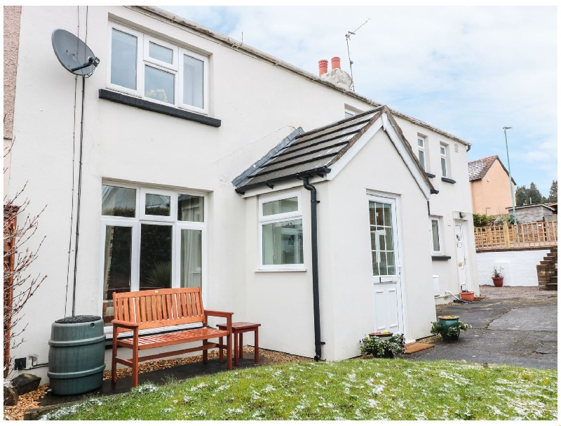 25 Parragate Road a british holiday cottage for 4 in ,