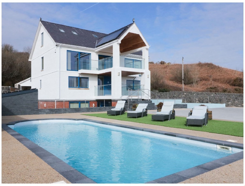 Beach House Apartment a british holiday cottage for 4 in ,